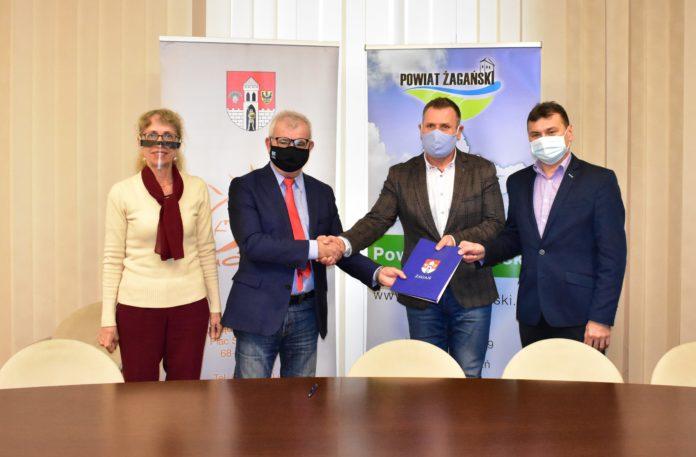 Podpisanie umowy na remont pomieszczeń na potrzeby pracowni tomografii komputerowej