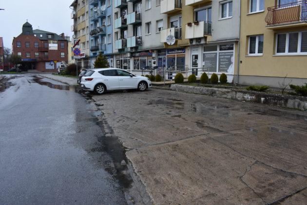 Parking na ulicy Długiej